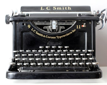SOLD Vintage Working Typewriter - Czechoslovakian LC Smith & Bros No. 9 Antique Desktop Typewriter Rare QWERTZ Keyboard1301410B 11