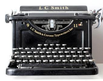 SOLD Vintage Working Typewriter - Czechoslovakian LC Smith & Bros No. 9 Antique Desktop Typewriter Rare QWERTZ Keyboard1301410B 11