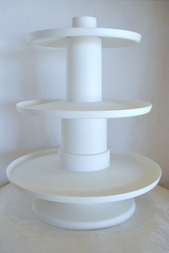 Wilton 3 Tier Cupcake Stand Heavy Duty Plastic Easy To