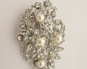 wedding jewelry brooch,bridal brooch pin,wedding brooch,bridal hair accessories,wedding bouquet brooch,wedding cake brooch,Bridal hair comb