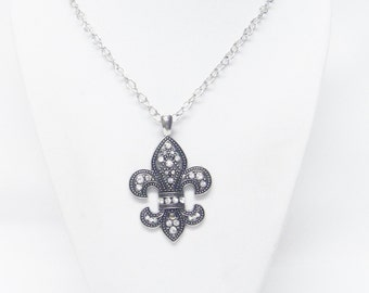 Antique Silver Plated Fleur de Lis Pendant w/Rhinestone Necklace