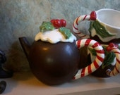 Plum Pudding Teapot with Mugs