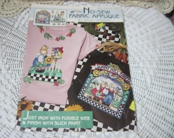 Daisy Kingdom No Sew Fabric Applique Rabbits Sunny Hills Farm How Cute is this /Like New /6929 garden time