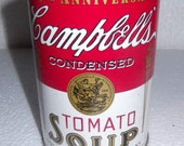 Vintage Campbell soup can bank with quality details, made of tin, a wonderful piece of Americana after Andy Warhols famous painting
