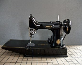 Singer Featherweight in Excellent Condition