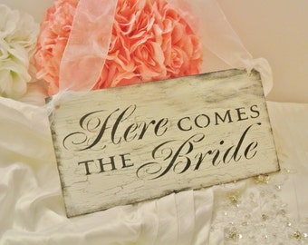 VINTAGE WEDDING/Here Come The Bride Sign/Wood Sign/White and Black/Decor