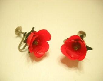 Vintage Plastic Rose Screwback Earrings (7867**)