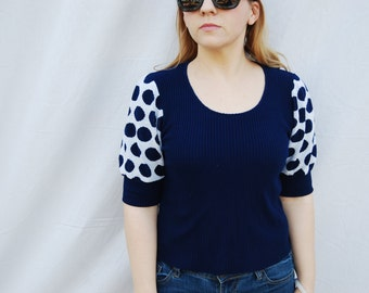 SPOTTED SLEEVES Polka Dot Blue and White Knit Short Sleeve Sweater Shirt