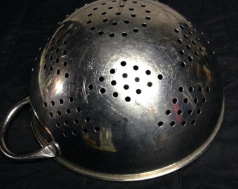 Metal Colander, Metal Strainer, Diamond Pattern, One Handle, Kitchenalia