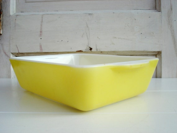 Vintage Small Rectangle 0503 14 Pyrex Yellow Baking Pan
