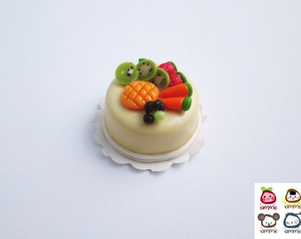 Miniature Cake, miniature clay cake, food figurine, miniature clay sweet, polymer clay food, mini, dessert, dollhouse, tiny, scale, fruits