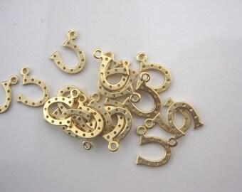 Horseshoe charms, gold horseshoe pendant, gold mini horseshoe, Good luck charms, horses hoof charm, 4pc, D-010