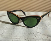 Black Vintage cats eye sunglasses/green yellow red striped