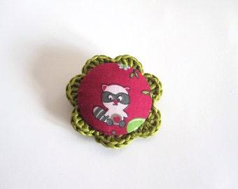 Handmade raccoon brooch. animal brooch. woodland brooch. Crochet brooch. Fabric brooch. kawaii brooch. Woodland accesories.