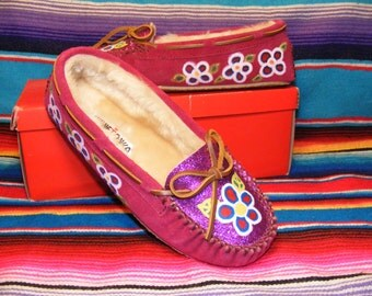 Woodland Floral Minnetonka Moccasins Pink Glitter Kayla Lined Slippers Size 8 Hand Painted by Anishinaabekwe.