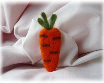 Carrot - felted brooch