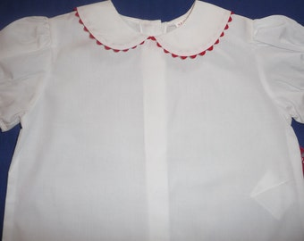 Blouse with Peter Pan collar with red rick rack