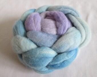 100g (3.5oz) Hand dyed merino top