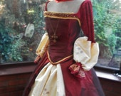 Handmade Tudor Anne Bolyne princess stage party gown and headress medieval queen princess