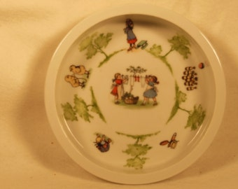 "Vintage-1940s-Child Feeding Dish-Made In Germany-7"" across"