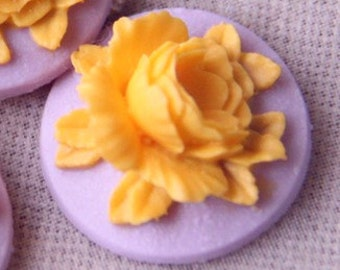 12 Pcs of Resin flower cabochon 18mm-RC0135-2-yellow on lilac