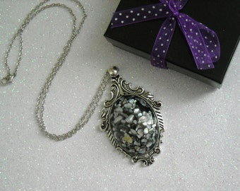 Black Shell Mother of Pearl Antique Silver Victorian Necklace