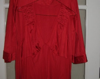 Reduced was 49.00 70s Vintage Red Night Gown and Robe Peignoir Set Size M  JC Penny  Very Nice