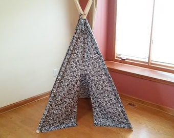 Gray Teepee with Black and White modern floral print Tent, Ready to ship Play Tent, Black and White Childrens Teepee