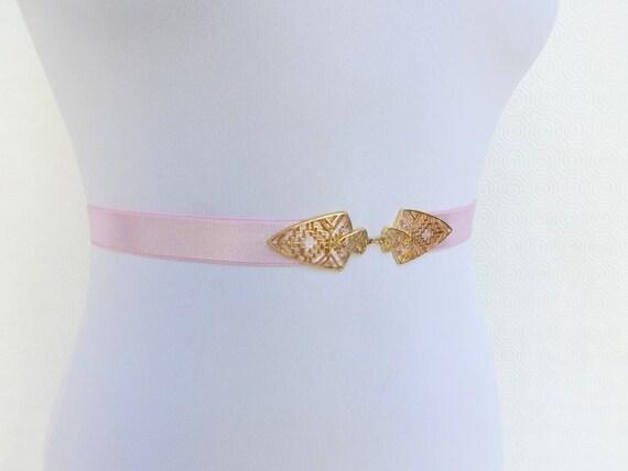 Light pink elastic waist belt. Gold buckle. Baby pink belt. Bridal belt. Bridesmaid belt. Pastel pink belt. Strechy belt. Gold belt.