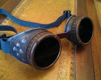 STEAMPUNK goggles , gun metal with LEATHER straps. For COSPLAY