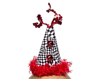 Clown Hat Black and White Crazy Check With Red Crazy Qs