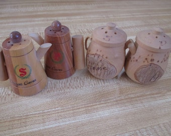 Vintage, Retro. Salt and Pepper set from a collection of over 400 pairs - Oregon Caves and My Old KY Home in the shape of coffee pots!