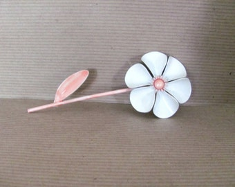 Vintage Pink Flower Brooch, 1960's Weiss Flower Brooch, White, Pink  Enamel Flower Brooch, Pin, 1960s Brooch, Jewelry