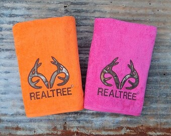Realtree® Appliqued Beach Towel
