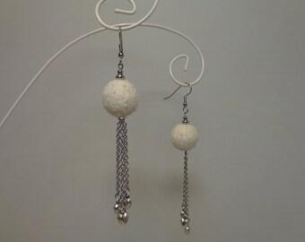 Silver Chain Dangle Earrings, Silver Heart Dangle Earrings, White Boho Earrings,  Silver Minimalist Earrings, Tiny Silver Heart Earrings