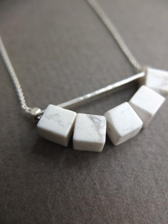 Image du produit Collier marbre blanc et argent minimalist sautoir cubes et barre argent