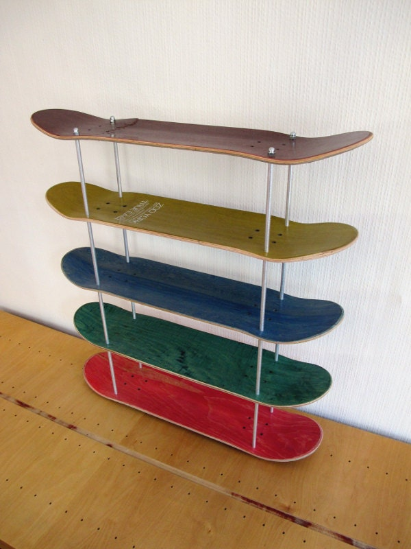 etag re en planche de skate recycl e. Black Bedroom Furniture Sets. Home Design Ideas