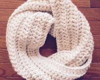 Chunky Crochet Twisted Cowl