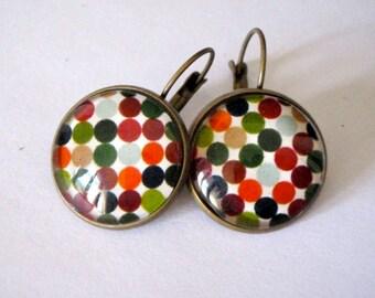 Boucles d'oreille, en bronze, avec des pois aux couleurs d'automne(vert, orange, gris..)