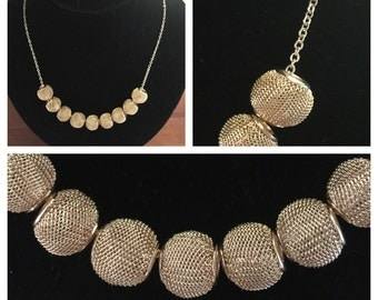 Stunning Mesh Bead Necklace