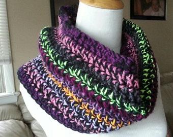 Lynette Crochet cowl, Crochet, scarf, neckwarmer, fashion scarf, Crochet cowl, Crochet scarf, Crochet infinity, infinity scarf, colorful