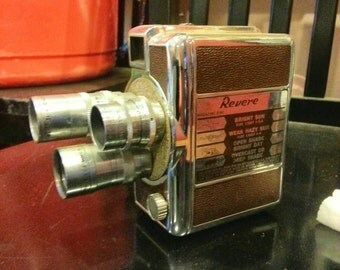 Vintage/Collectible Revere 8 mm Camera Model 44 (1952)