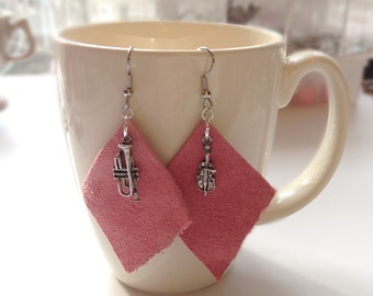Pink suede leather earrings with music charms
