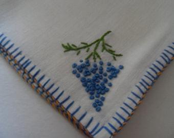 Vintage Set of 4 Cotton Tea Napkins Hand Embroidered Grapes