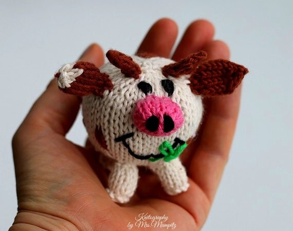 Knitting Gifts For Adults : Toy cow knitting pattern pdf for beginners and advanced