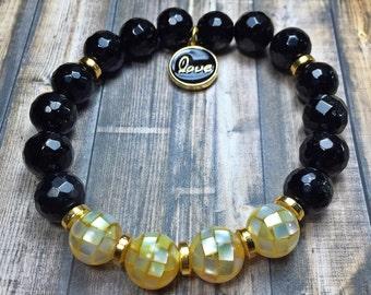 Mother of pearl bracelet, beaded bracelet, stretch bracelet, jewelry, gifts for mom, stackable bracelet, mothers day gifts