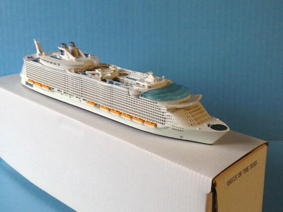Model Cruise Ship OASIS Of The SEAS 11250 Scale Souvenir