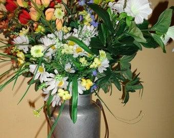 Vintage Aluminum Farm Bucket/ Pail Mid 1900's Great Flower Vase