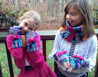 Girls Fingerless Gloves/Wrist Warmers