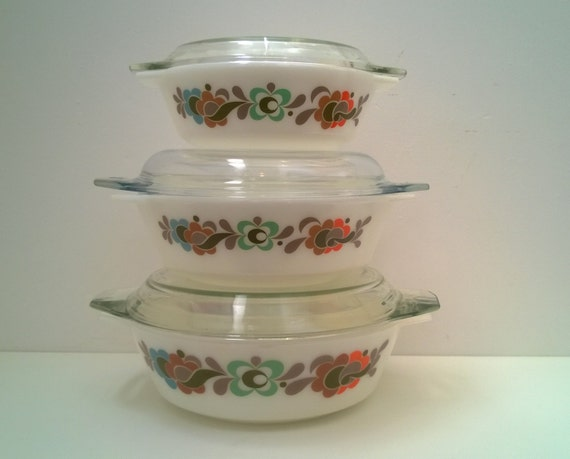 Pyrex Vintage Casserole Set Of 3 With Lids Mid Century